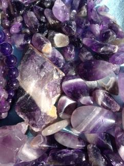purple-petal-jewellery-geology-amethyst-gem-799184-pxhere.com